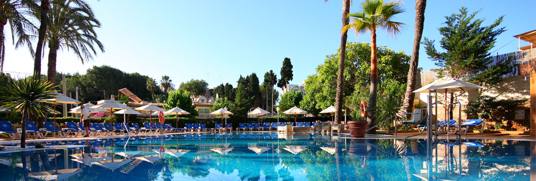 The pool at the Reina Paguera, Mallorca