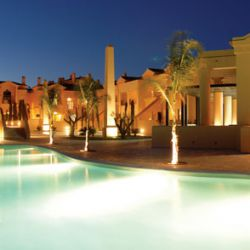 Baia da Luz apartments at night